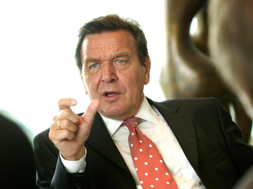 Герхард Шредер назвал политиков ЕС слабоумными