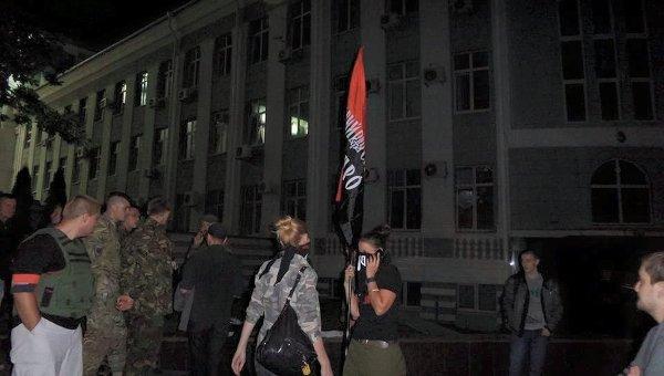 Бойцы «Правого сектора» в Мукачево отказываются складывать оружие — генпрокуратура » ИА Архангельск-ИНФО