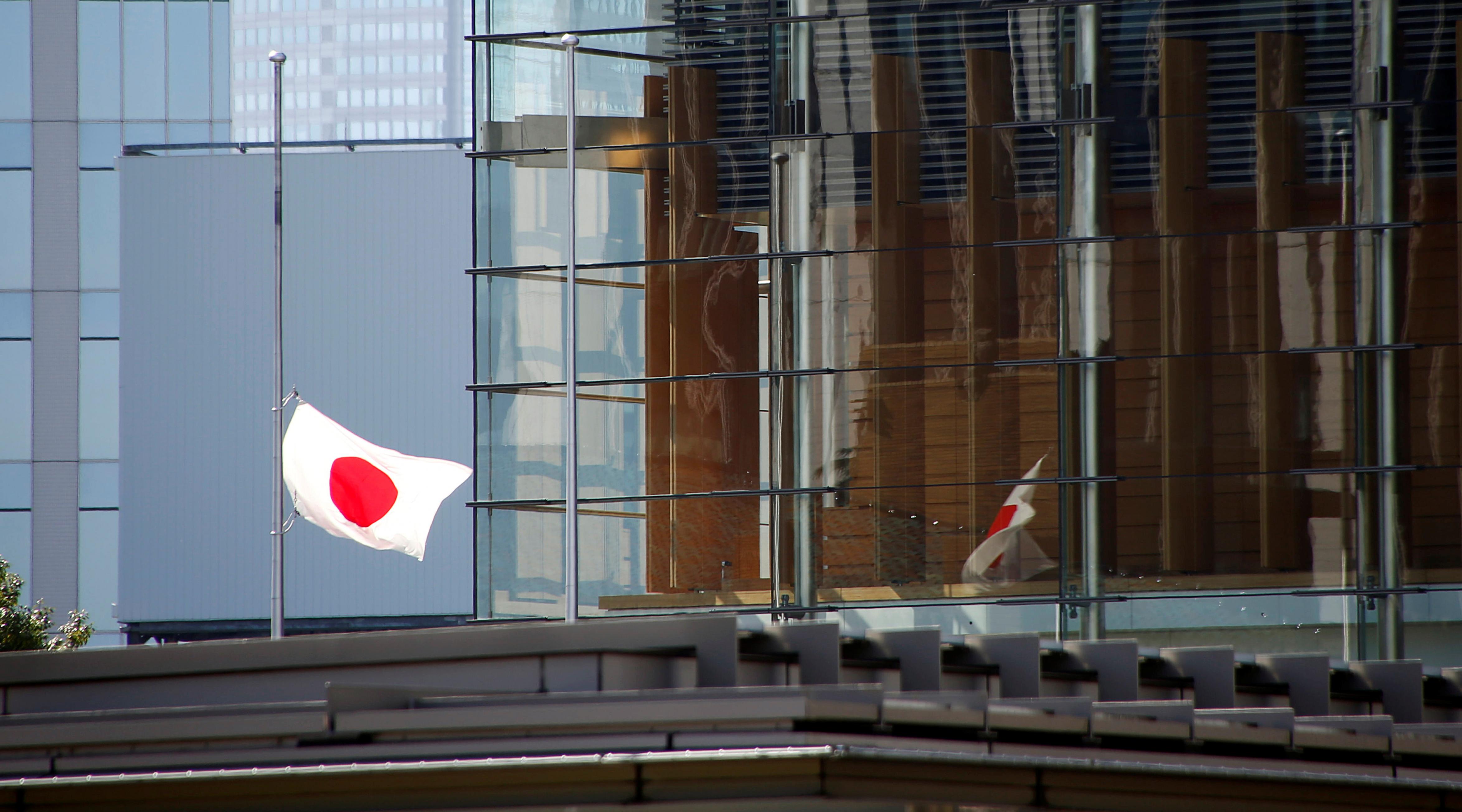 Абэ высказался за продолжение усилий по развитию диалога с РФ