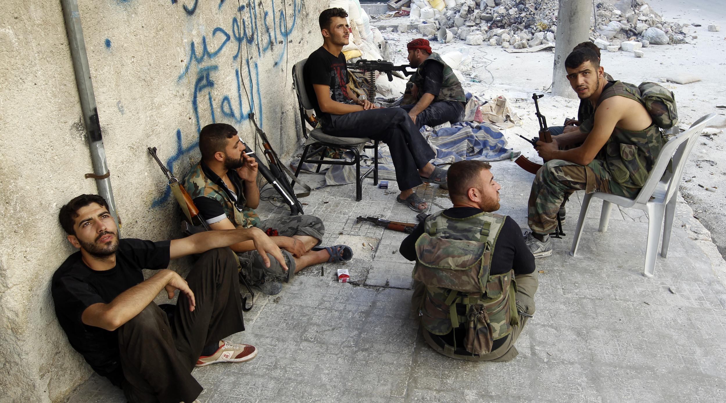 СМИ: боевики в восточном Алеппо начали переговоры о капитуляции