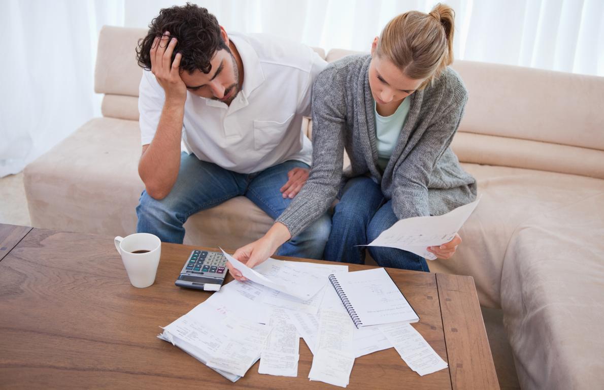 могут ли забрать машину мужа за долги по кредитам жены один