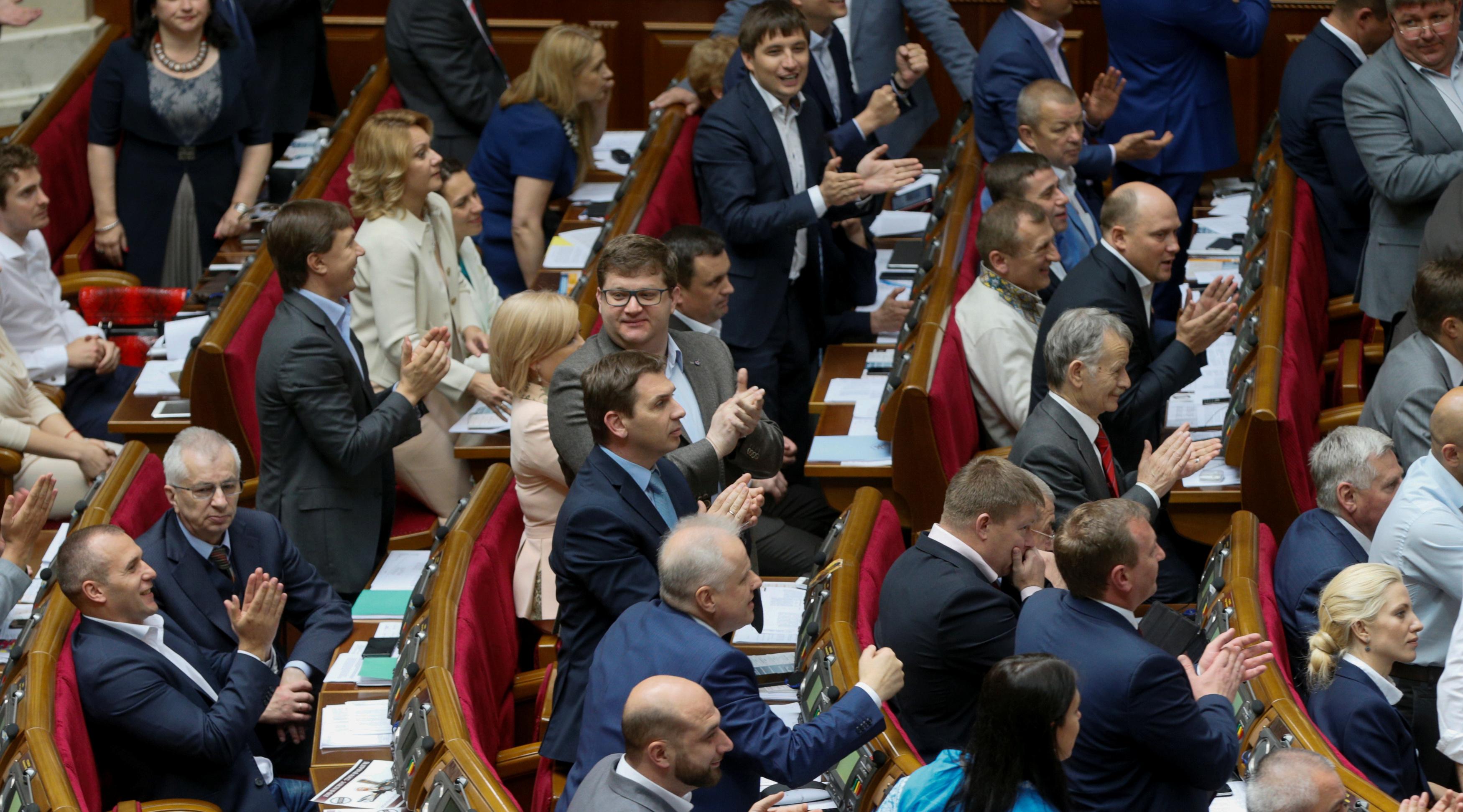 Рада готова запретить ввоз книг из РФ, а также волнуется за напечатанное в УПЦ МП