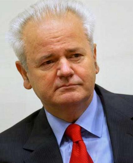 Милошевич оправдан, а заказчики суда над ним обязаны сесть на скамью подсудимых - Кьеза