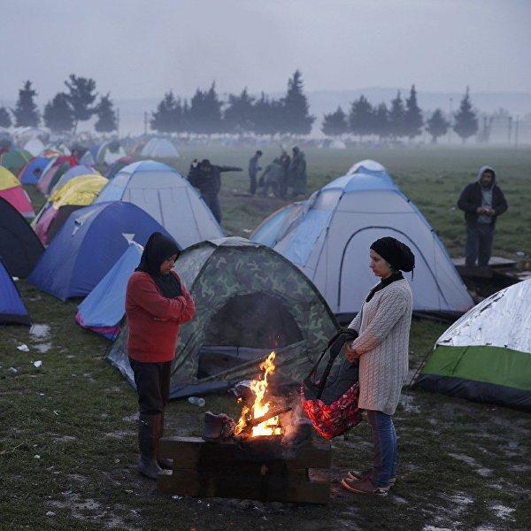 afp v parizhe 408 4519906 Французская милиция демонтировала лагерь для беженцев насевере Парижа