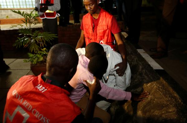 Мужчина сножом атаковал охрану американского посольства вКении