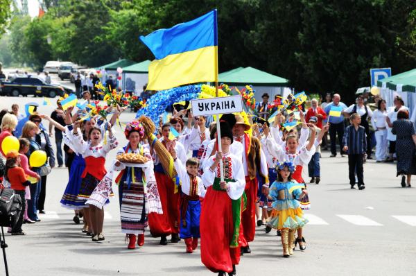Соцопрос: две трети жителей Украины хорошо относятся к россиянам