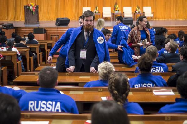 Доклад ВШЭ: молодежь РФ активно переезжает вСанкт-Петербург и российскую столицу