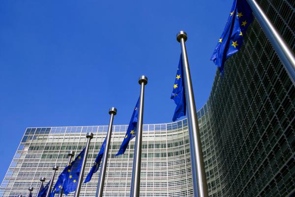 Европейская комиссия ухудшила прогноз по русской экономике...