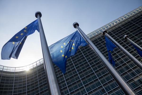 evroparlament-zhelaet-naladit-320-458631