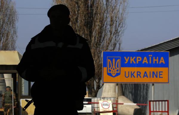ФСБ: украинские пограничники слишком медленно работают на границе с Крымом