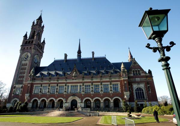 Гаагский суд отменил решение о взыскании с России $50 млрд по делу ЮКОСа
