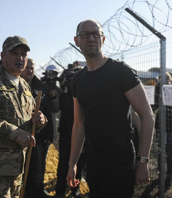 Антироссийская «Стена» Яценюка оказалась коррупционной дырой