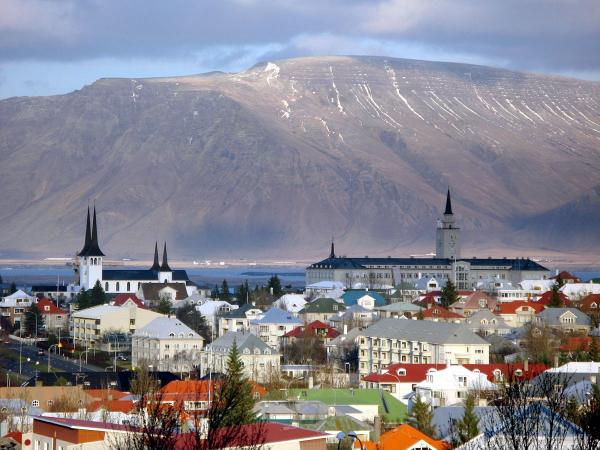 Исландия отвоевала свободу и отдает банкиров под суд