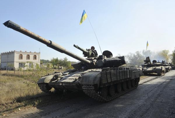 Источник: на границе с Крымом наблюдается концентрация украинской бронетехники