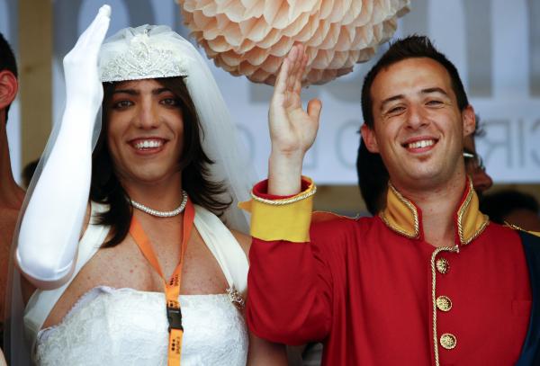 """Итальянский священник: Землетрясения - """"Божья кара"""" за однополые браки"""