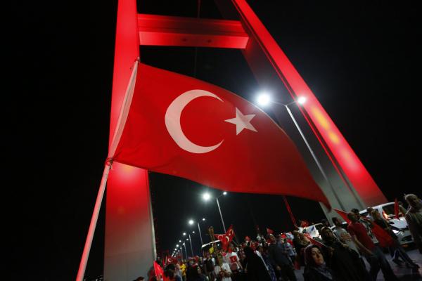 Парламент ФРГ: Эрдоган действует вТурции, как нацисты в1930-е