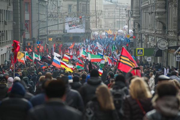 «Казаки в авангарде, мусульмане и евреи в арьергарде. Марш «Антимайдан» прошел, вопросы остались.»
