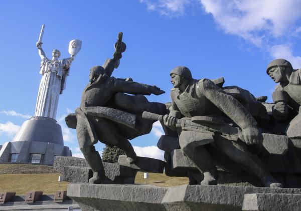 Киев отказался от идеи сноса монумента «Родина-мать»