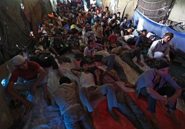 Контрразведке Германии известно о340 случаях вербовки беженцев исламистами
