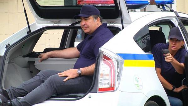Лишний вес сделал Саакашвили посмешищем на тренировке одесской полиции