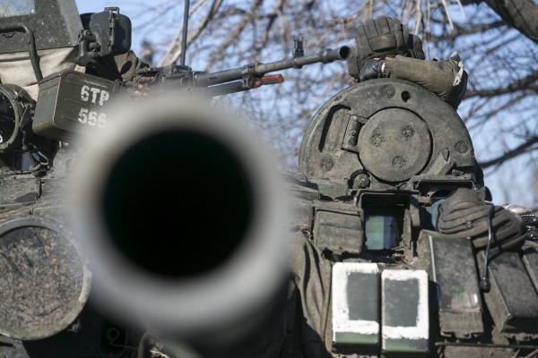 """Марьинка: Яценюк истерит, что ополченцы наступают, штаб """"АТО"""" опровергает"""