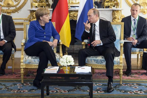 Меркель призвала уважать целостность Украины без Крыма