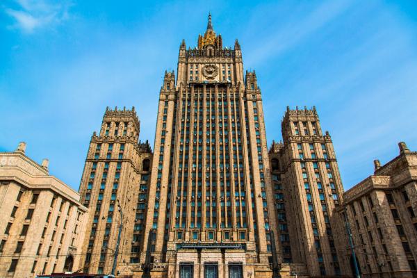 Захарова назвала нонсенсом угрозы ввести против РФ санкции из-за Сирии