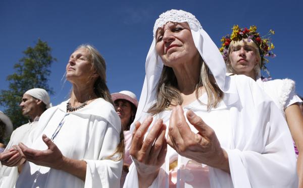 Минюсту предложили ужесточить контроль над религиозными сектами