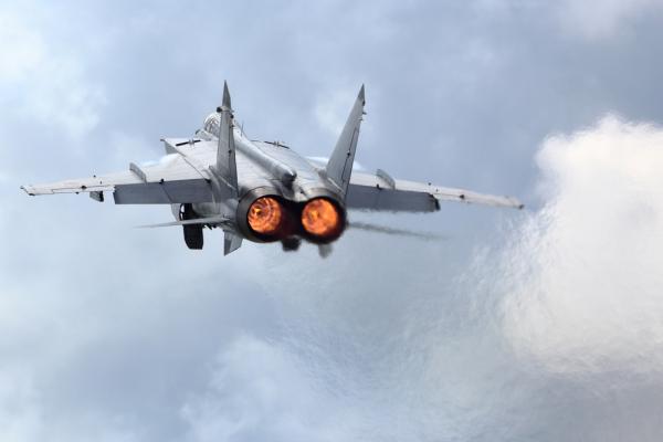 На острове в Арктике разместится звено российских боевых самолетов
