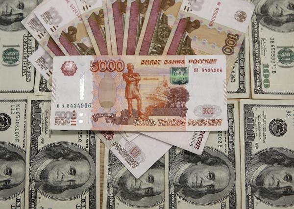 """""""Надо, Тедди, надо"""" - американская инвесткомпания посоветовала закупать рубли"""