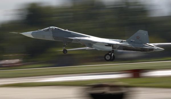 Названы сроки поставки первых истребителей пятого поколения в ВКС