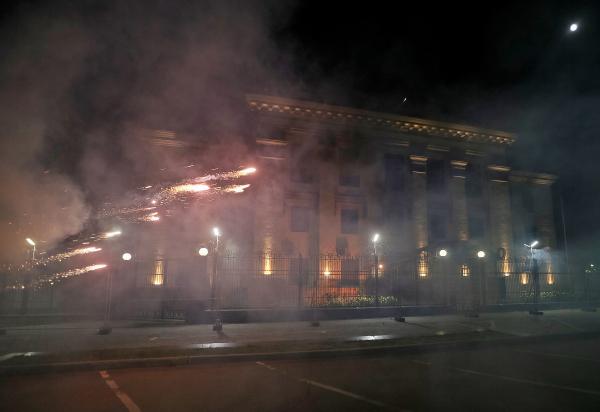 Киев отказался усилить охрану посольстваРФ вдень выборов