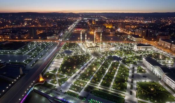 Именем Магомеда Нурбагандова названа одна изцентральных улиц Грозного