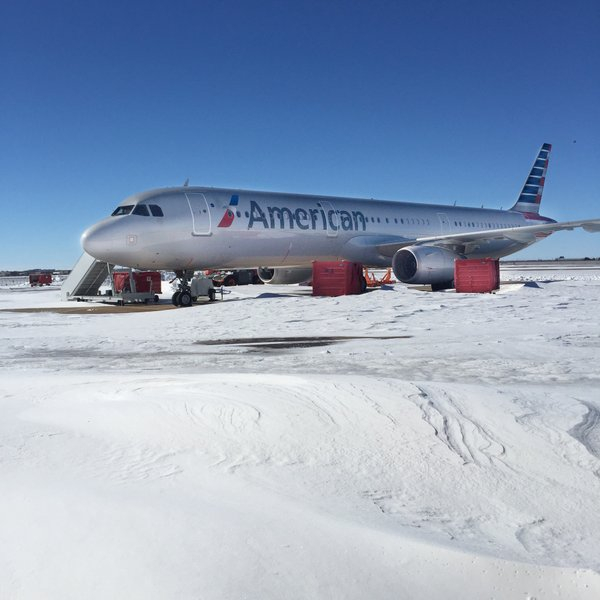 ��������� ������� �� American Airlines $6 ��� �� ������� �������������