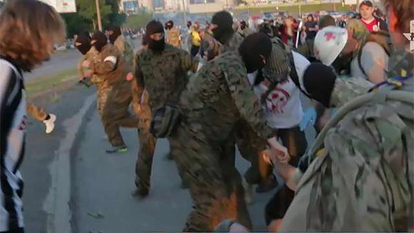 """""""Поднять Киев из руин и навести в нем порядок"""" - в драке на Осокорках ранены 15 милиционеров"""