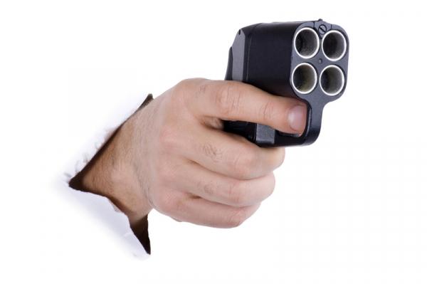 """Полицейские штата Аризона возьмут на вооружение российский пистолет """"Оса"""""""