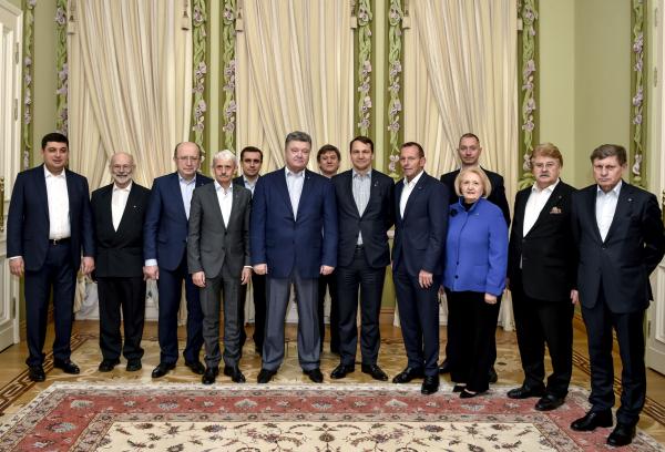Международный совет обсудит сПорошенко сопротивление агрессииРФ