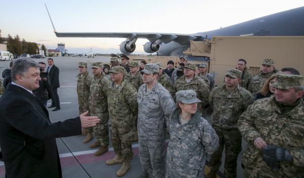 Порошенко пустил войска НАТО на Украину