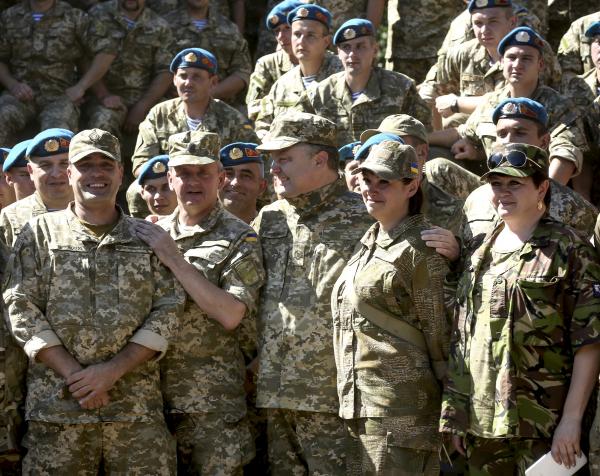 Порошенко: Украина использовала Минские соглашения для укрепления армии