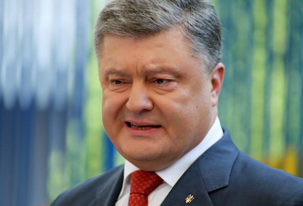 Порошенко заявил, что Украина больше не будет жить за счёт Запада