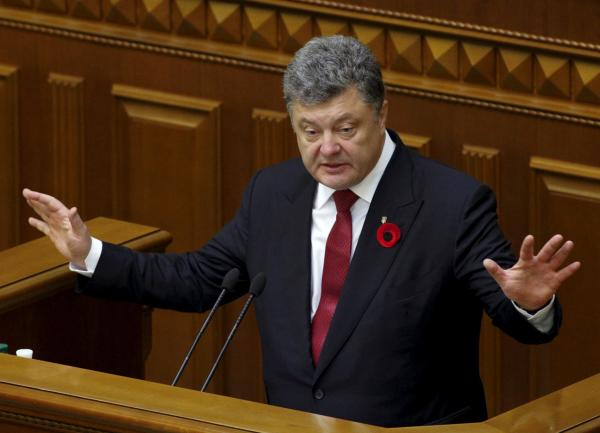 Порошенко заявил о текущей войне с Россией и назвал Кэмерона примером для политиков