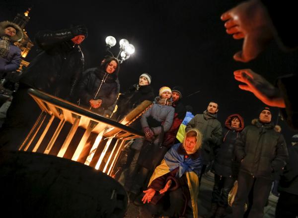 НаМайдане вКиеве остаются около 200 человек