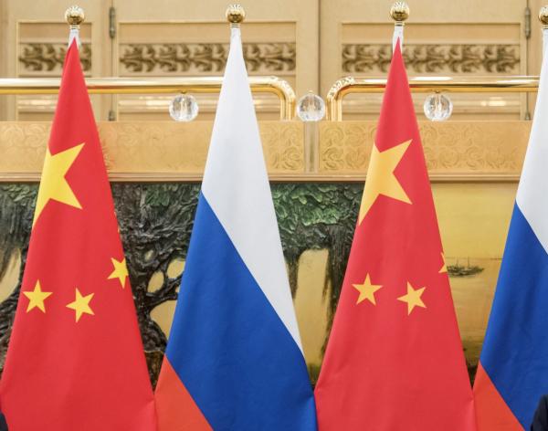 РФ и КНР собираются совместно изучать Марс иЛуну