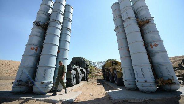 Россия подписала с Ираном контракт на поставки систем ПВО С-300