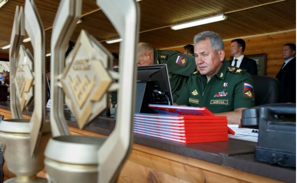 Команда РФ получила главный кубок АрМИ