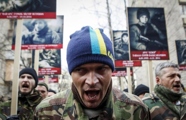 """""""Шлюха, нам все это надоело"""" - """"Правый сектор"""" записал рэп о Порошенко"""