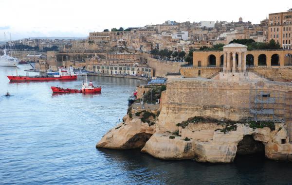 Мальта доэтого давала разрешение надозаправку русской авианосной группы