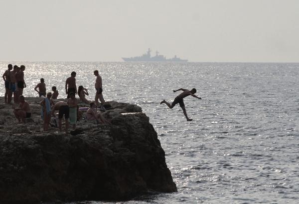 СМИ турпоток на курорты Крым и Кубани оказался вдвое больше ожидаемого