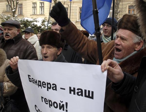 Соратник Качиньского призвал Украину признать вину за геноцид поляков