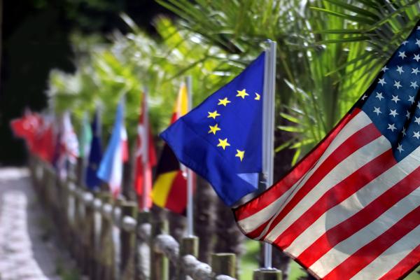 """""""Так поступают с вассалами"""" — Путин усомнился в союзнических отношениях США и Европы"""